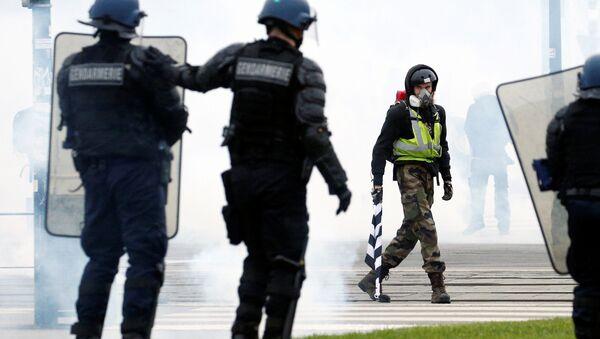 Fransa'da Sarı Yelekler eylemleri 11. haftasında - Sputnik Türkiye