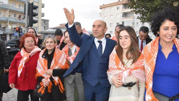 Tunç Soyer, Neptün Soyer, Yelda Celiloğlu - Sputnik Türkiye