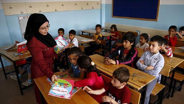 Suriyeli çocuklar - okul - Sputnik Türkiye
