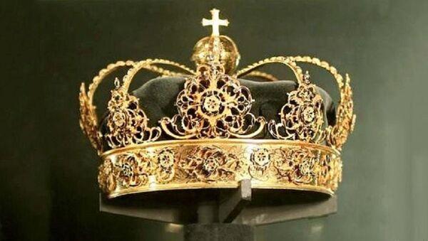 İsveç Kralı 4. Karl'ın tacı - Sputnik Türkiye