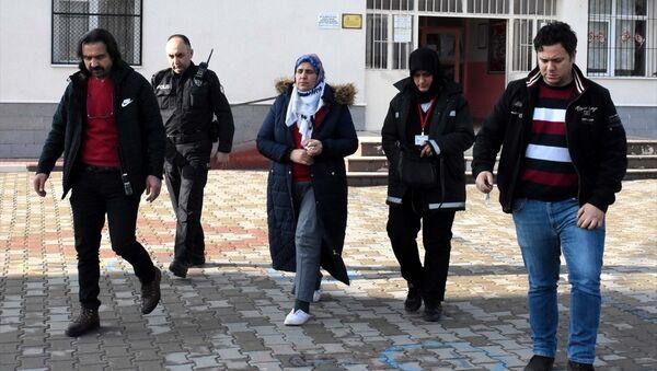 Öğretmeni bıçaklayan Mehtap Ö. gözaltına alındı. - Sputnik Türkiye