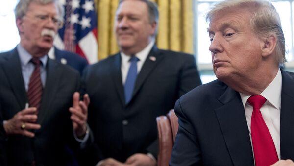 Donald Trump- John Bolton- Mike Pompeo - Sputnik Türkiye