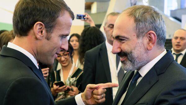 Ermenistan Başbakanı Nikol Paşinyan- Fransa Cumhurbaşkanı Emmanuel Macron - Sputnik Türkiye