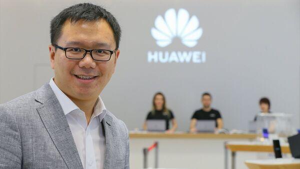 Huawei Türkiye Tüketici Elektroniği Grubu Ülke Müdürü Seth Wang - Sputnik Türkiye