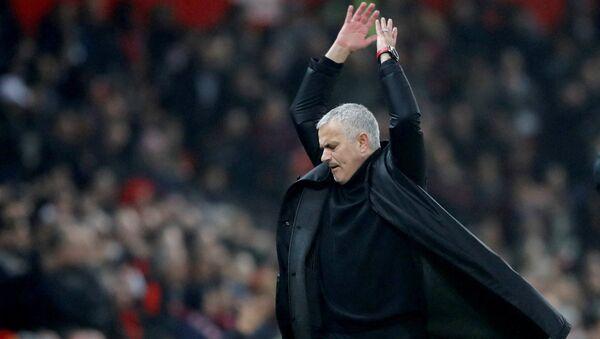 'Jose Mourinho ile taç çizgisinden' isimli program 7 Mart'ta RT'de yayına girecek. - Sputnik Türkiye