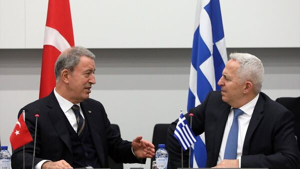 Milli Savunma Bakanı Akar, Yunanistan Savunma Bakanı Apostolakis'le görüştü. Akar, görüşmeye ilişkin, Dost ve komşu iki ülke olarak sorunlarımıza barışçıl yollarla çözüm bulmak için çalışmalıyız değerlendirmesinde bulundu. - Sputnik Türkiye