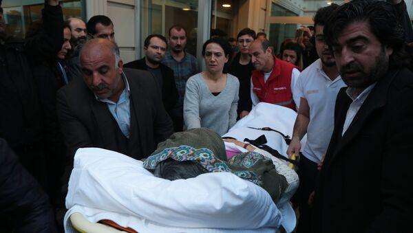 Tıbbi müdahaleyi kabul etmeyen Leyla Güven taburcu edildi - Sputnik Türkiye