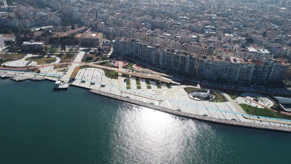 İzmir 15 Temmuz Demokrasi Şehitleri Meydanı - Sputnik Türkiye