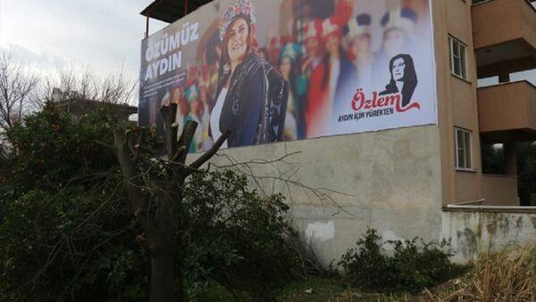 Özlem Çerçioğlu seçim afişi - Sputnik Türkiye