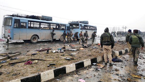 Keşmir'de son 30 yılın en kanlı saldırısı: 44 Hint askeri öldü, 20 asker yaralandı - Sputnik Türkiye