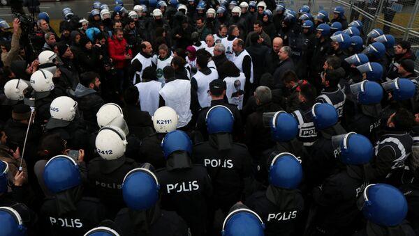 Diyarbakır'da Leyla Güven için yürüyüş gerginliği - Sputnik Türkiye