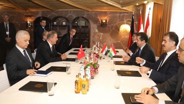 Akar, IKBY Başbakan adayı Barzani ile görüştü - Sputnik Türkiye