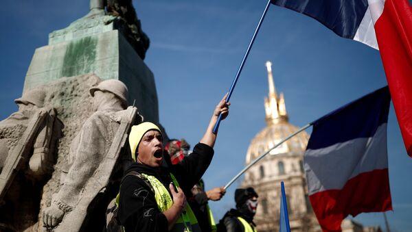 Fransa'da Sarı Yelekler gösterilerin 14. haftasında sokaklarda - Sputnik Türkiye