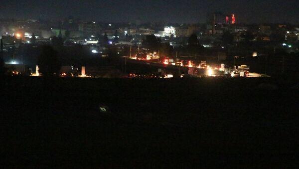 ABD'nin, Irak üzerinden Suriye'ye gönderdiği belirtilen 300 araçlık konvoy - Sputnik Türkiye