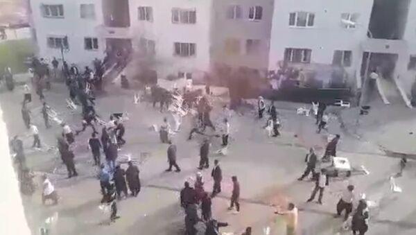 Adana - Gelin ve damat yakınlarının 'En çok siz dans ettiniz' kavgası - Sputnik Türkiye