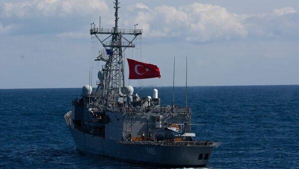 """Milli Savunma Bakanlığı, NATO'nun """"Dynamic Manta-2019"""" tatbikatına TCG Gür denizaltısı, bir deniz karakol uçağı ve TCG Gelibolu fırkateyni ile iştirak edildiğini duyurdu.  - Sputnik Türkiye"""