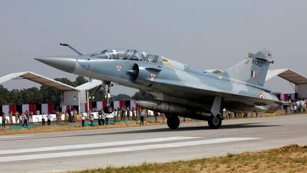 Hindistan Hava Kuvvetleri'ne ait bir savaş uçağı - Sputnik Türkiye