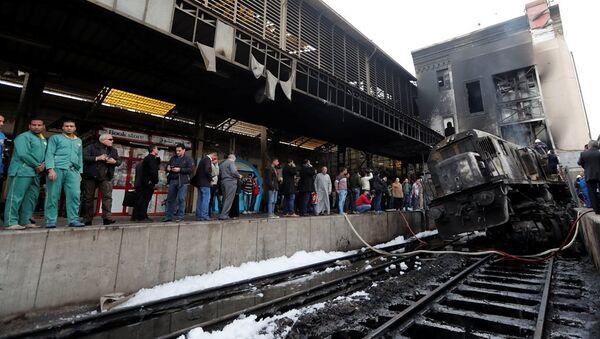 Kahire'deki tren istasyonunda yangın - Sputnik Türkiye