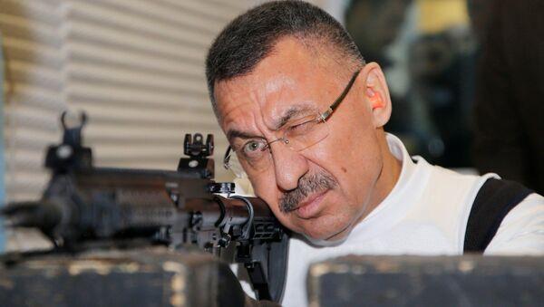 Cumhurbaşkanı Yardımcısı Oktay, yerli MPT-55K ile atış yaptı - Sputnik Türkiye