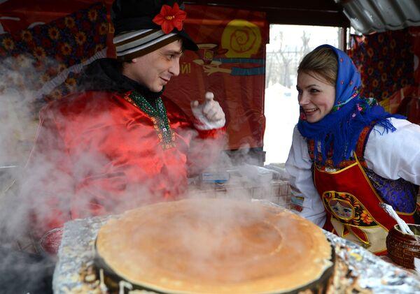 Rus geleneksel mutfağının vazgeçilmezi: 'Blinı' - Sputnik Türkiye