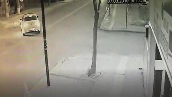 Menderes Türel'in eşi trafik kazası geçirdi - Sputnik Türkiye