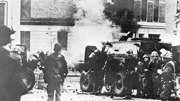 Kuzey İrlanda'da savcılar, Kanlı Pazar olarak bilinen 1972'de Londonderry kentinde 13 kişinin öldüğü olayla ilgili olarak eski bir İngiliz askerinin yargılanacağını açıkladı. - Sputnik Türkiye