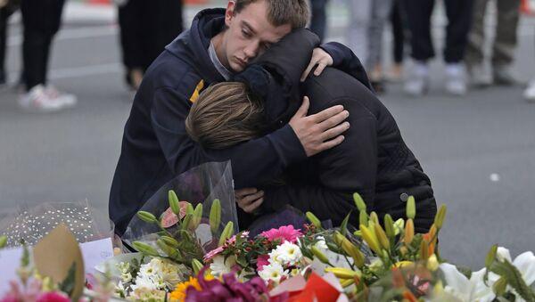 Christchurch'teki cami saldırılarının ardından Yeni Zelanda'da pek çok yerde anma noktaları oluşturuldu - Sputnik Türkiye