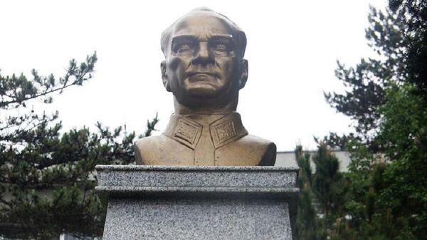 Atatürk büstü - Sputnik Türkiye