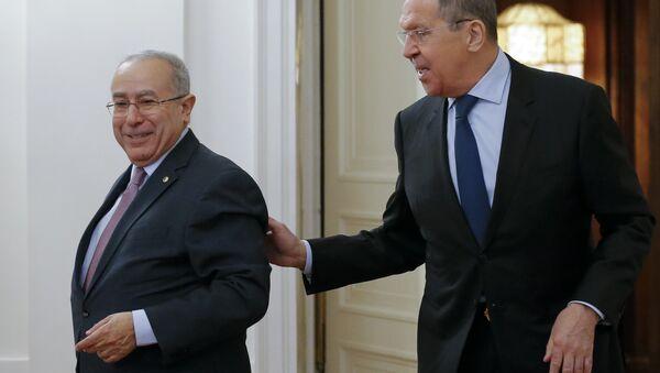 Rusya Dışişleri Bakanı Sergey Lavrov ile Cezayir Dışişleri Bakanı Ramtane Lamamra - Sputnik Türkiye