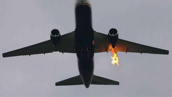 Tahran'da içerisinde 50 yolcu bulunan uçak alev aldı - Sputnik Türkiye