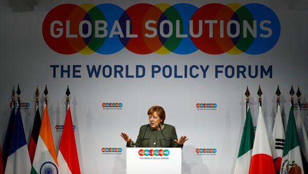 Almanya Başbakanı Angela Merkel, Berlin'deki Küresel Çözümler Zirvesi'nde konuştu. - Sputnik Türkiye