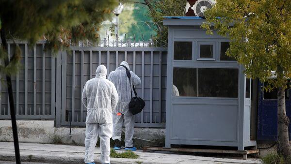 Atina'daki Rus Konsolosluğu'na el bombası olduğu düşünülen bir patlayıcı atıldığı belirtildi. - Sputnik Türkiye