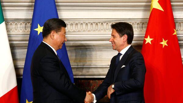 Çin Devlet Başkanı Şi Cinping- İtalya Başbakanı Guiseppe Conte - Sputnik Türkiye