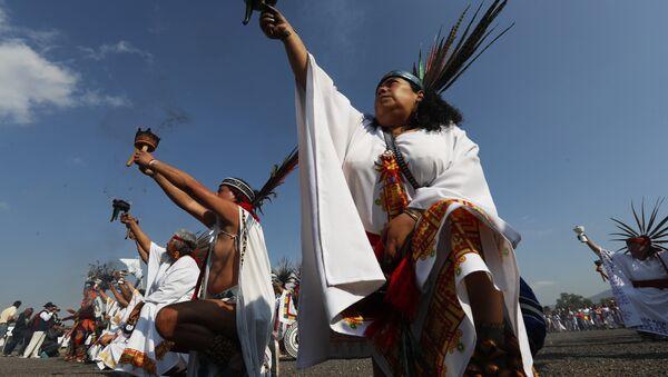 Tenochtitlan'daki Aztek dansçılar - Sputnik Türkiye