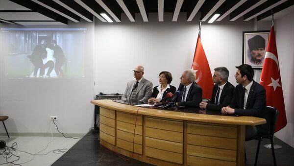 Partisinin genel merkezinde düzenlediği basın toplantısında Perinçek, Akşener'in FETÖ ve PKK ile dayanışma içinde olduğunu ileri sürdü. - Sputnik Türkiye