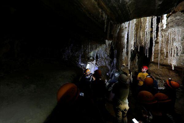 Dünyanın 'en uzun tuz mağarası' İsrail'de keşfedildi. - Sputnik Türkiye