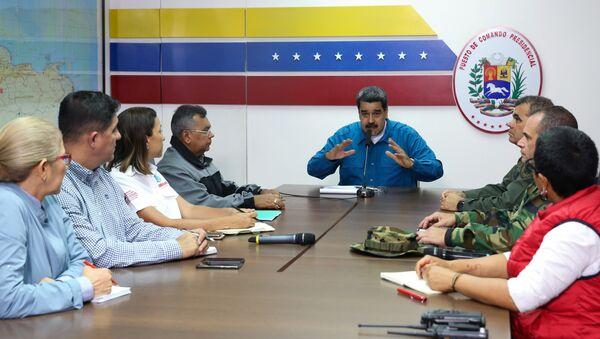 Venezüella Devlet Başkanı Nicolas Maduro, hükümet üyeleriyle yaptığı toplantıda konuşuyor. - Sputnik Türkiye