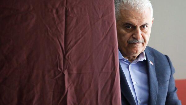 Binali Yıldırım, 31 Mart yerel seçim, oy - Sputnik Türkiye