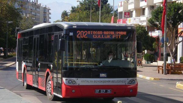 Antalya'da ücretsiz otobüs uygulaması askıya alındı - Sputnik Türkiye