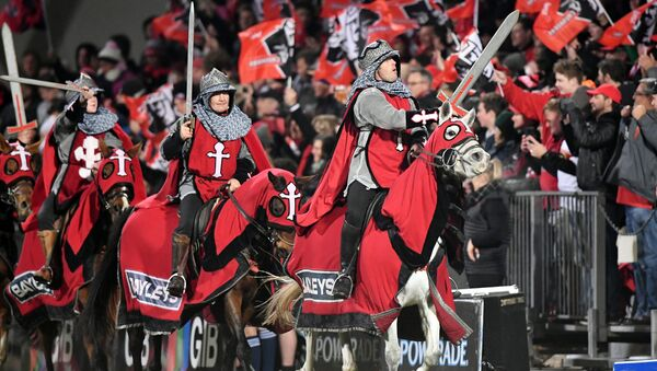 Yeni Zelanda'da Crusaders (Haçlılar) adlı rugby takımının taraftarları - Sputnik Türkiye