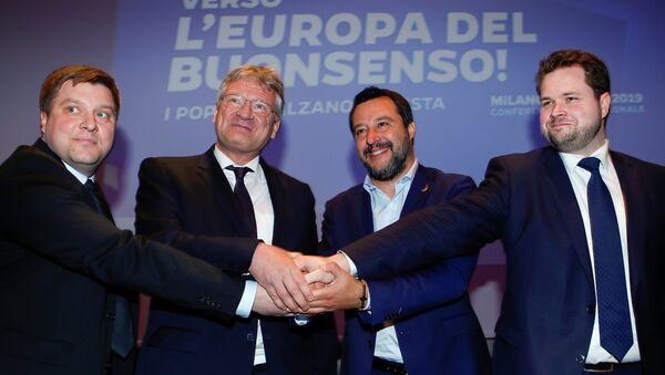 Avrupa'da aşırı sağ buluşması. Zirveye İtalya Başbakan Yardımcısı ve İçişleri Bakanı Matteo Salvini, Almanya için Alternatif Sözcüsü Jörg Meuthen, Finler Partisi'nden Olli Kotro ve Danimarka Halk Partisi'nden Anders Vistisen katıldı. - Sputnik Türkiye