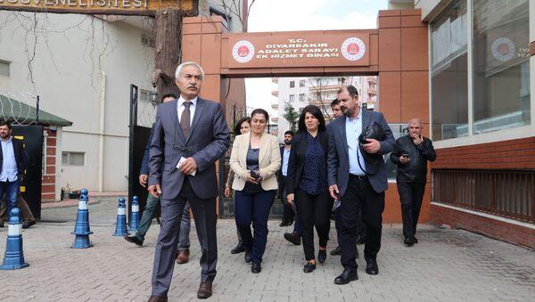 Doğu'da seçim tartışmaları - Sputnik Türkiye