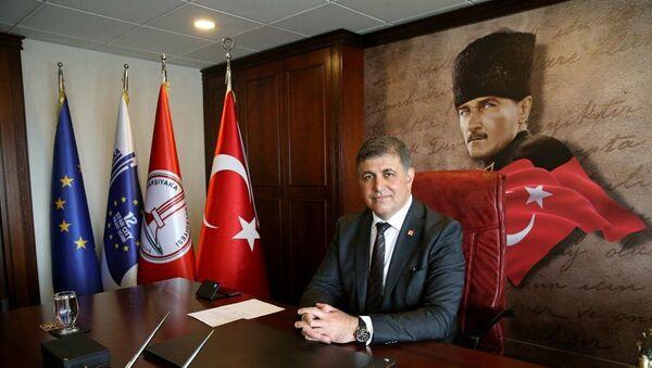 Cemil Tugay - Sputnik Türkiye