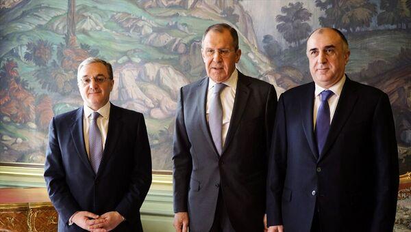 Rusya, Ermenistan ve Azerbaycan dışişleri bakanları Moskova'da bir araya geldi - Sputnik Türkiye