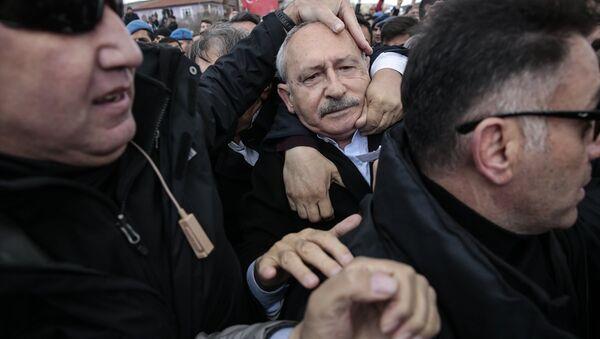 Kemal Kılıçdaroğlu'na saldırı - Sputnik Türkiye