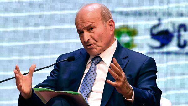Cezayir'de istifa eden Cumhurbaşkanı AbdülazizButeflika'ya yakınlığıylabilinen ve ülkenin en zengin işadamı olan Issad Rebrab hakkında yolsuzluk suçlamasıyla tutuklama kararı verildi. - Sputnik Türkiye