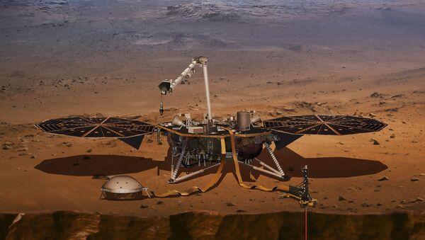 ABD Havacılık ve Uzay Dairesi (NASA) tarafından Mars'a indirilen sismik inceleme aracı InSight - Sputnik Türkiye