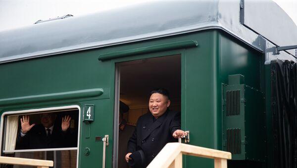 Kuzey Kore lideri Kim'in zırhlı treni ile ilgili merak edilenler - Sputnik Türkiye