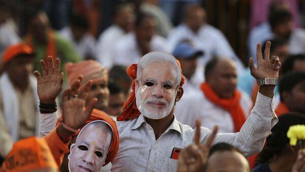 Hindistan seçimlerinde Başbakan Narendra Modi'yi destekleyen halk - Sputnik Türkiye