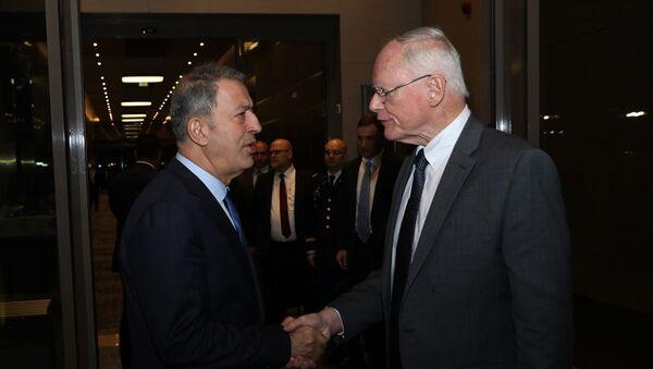 Milli Savunma Bakanı Hulusi Akar, ABD'nin Suriye Özel Temsilcisi James Jeffrey ile bir araya geldi. - Sputnik Türkiye